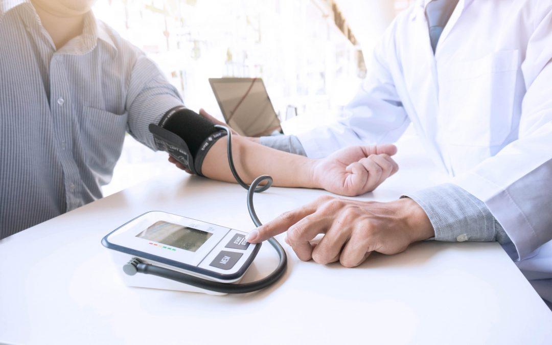 Tratamiento psicológico de la hipertensión arterial Estres y factores psicosociales